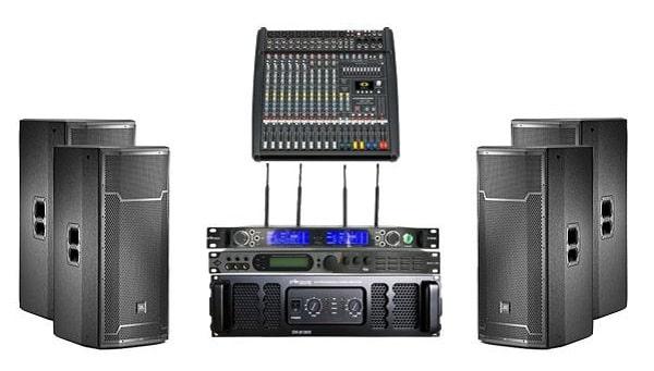 Cấu hình âm thanh hội trường nhỏ JBL: Giá 100 triệu đồng