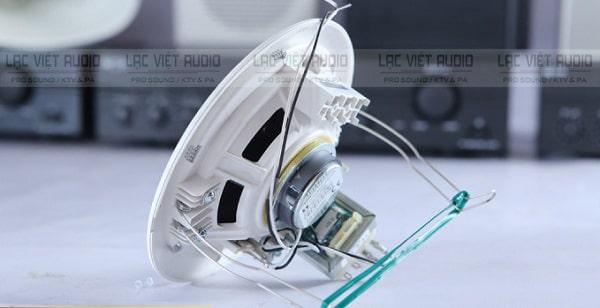 Loa âm trần 3W TOA PC-648R: Giá 270.000 đồng