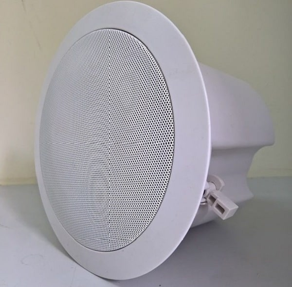 Loa âm trần wifi là sản phẩm có tích hợp kết nối wifi để phát nhạc trực tiếp
