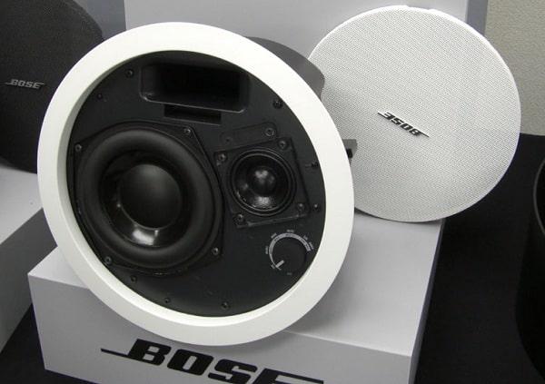 Loa âm trần quán cà phê Bose DS 100F