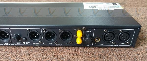Vang cơ NEX FX9 Plus hỗ trợ cổng ra loa sub riếng