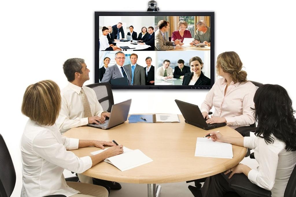 Micro họp trực tuyến cho khả năng kết nối với mọi người tốt hơn