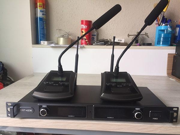 Micro OBT-4236 cho chất lượng âm thanh tốt, thiết kế  không dây tiện lợi