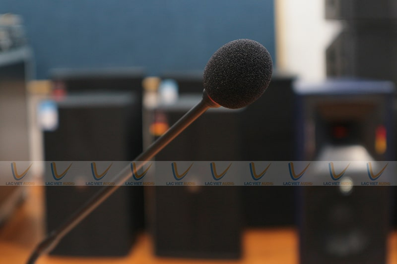 Mút bọc mic giúp lọc bỏ tạp âm và gió rít khi sử dụng
